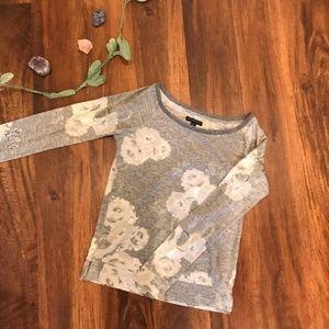 American Eagle | Gray Floral Long Sleeve Tee
